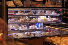 石家庄慕斯蛋糕培训学员慕斯蛋糕店